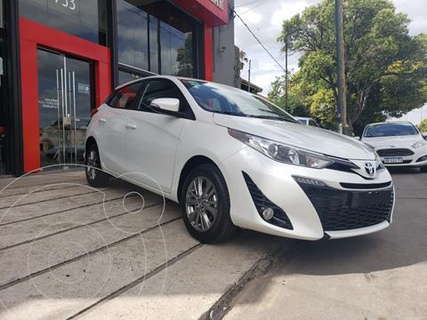 Toyota Yaris 1.5 XLS CVT usado (2021) color Blanco precio $2.135.000