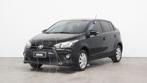 Toyota Yaris 1.5 CVT usado (2017) color Negro precio $2.060.000