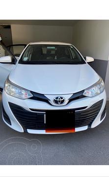 Toyota Yaris 1.5 GLi E Aut usado (2018) color Blanco precio $11.400.000