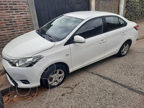 Toyota Yaris 1.5 GLi  usado (2014) color Blanco precio $7.300.000