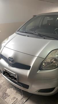 Toyota Yaris 1.5L  usado (2012) color Plata precio u$s12.000