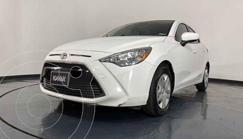 Toyota Yaris LE usado (2017) color Blanco precio $214,999