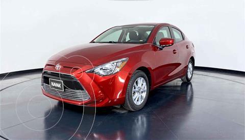 Toyota Yaris LE usado (2017) color Rojo precio $207,999