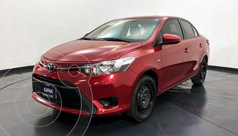 Toyota Yaris Core Aut usado (2017) color Rojo precio $187,999