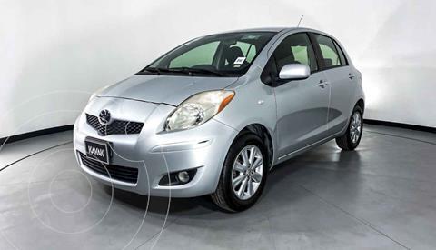 Toyota Yaris Premium Aut usado (2010) color Plata precio $109,999