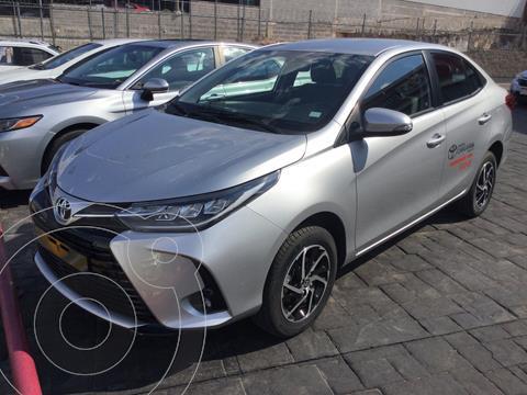 Toyota Yaris 5P 1.5L S Aut usado (2021) color Plata Dorado precio $300,000