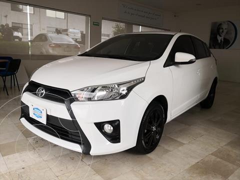 Toyota Yaris S MT usado (2017) color Blanco precio $195,000