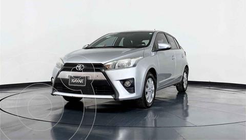 Toyota Yaris LE Aut usado (2017) color Plata precio $227,999