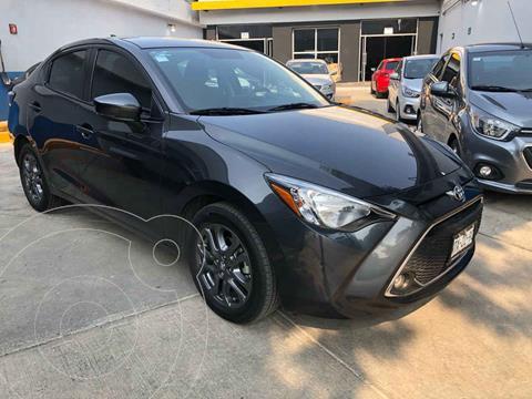 Toyota Yaris XLE Aut usado (2020) color Gris precio $285,000