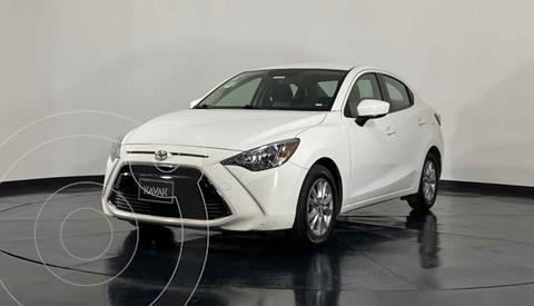Toyota Yaris Core usado (2016) color Blanco precio $214,999