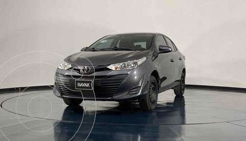 Toyota Yaris Core usado (2019) color Gris precio $234,999
