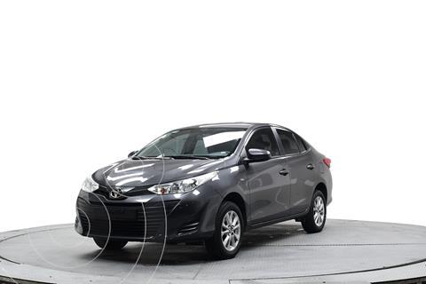 Toyota Yaris 5P 1.5L Core usado (2019) color Gris precio $235,900