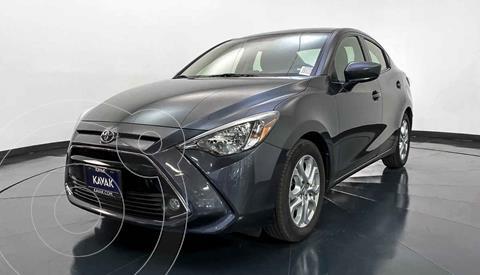 Toyota Yaris XLE Aut usado (2018) color Gris precio $242,999