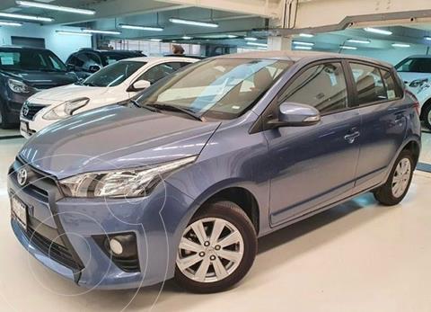 Toyota Yaris 5P 1.5L Core usado (2017) color Azul precio $194,100