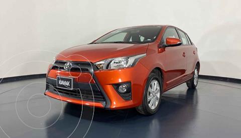 Toyota Yaris Core usado (2017) color Naranja precio $212,999
