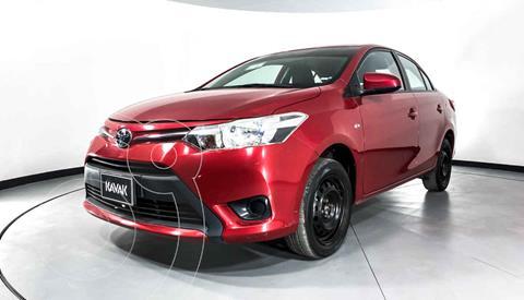Toyota Yaris Core usado (2017) color Rojo precio $174,999