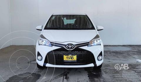 Toyota Yaris 5P 1.5L Premium usado (2015) color Blanco precio $149,000