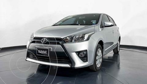 Toyota Yaris LE Aut usado (2017) color Plata precio $217,999