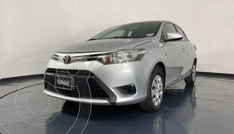 Toyota Yaris Core Aut usado (2017) color Plata precio $189,999