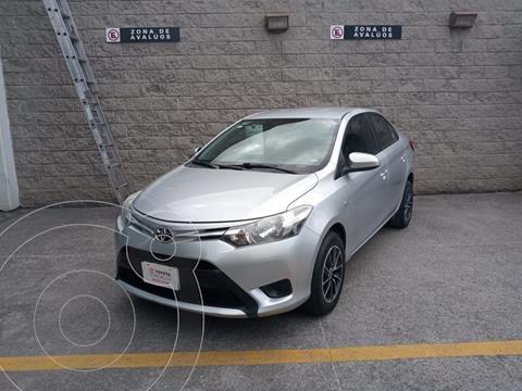 Toyota Yaris 5P 1.5L Core usado (2017) color Plata Dorado precio $180,000
