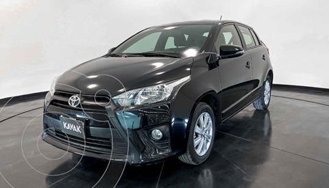 Toyota Yaris LE Aut usado (2017) color Negro precio $199,999