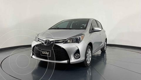 Toyota Yaris Premium usado (2015) color Plata precio $162,999