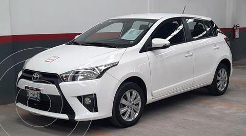 Toyota Yaris 5P 1.5L S usado (2017) color Blanco precio $210,000