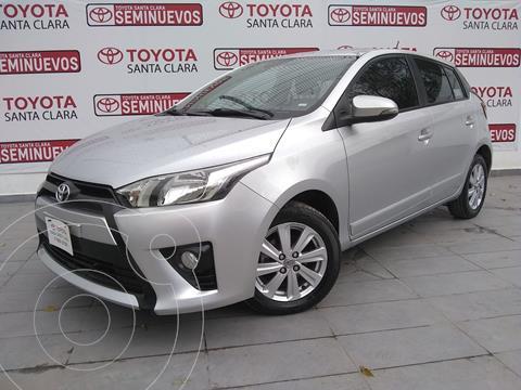 Toyota Yaris 5P 1.5L S usado (2017) color Plata Dorado precio $190,000