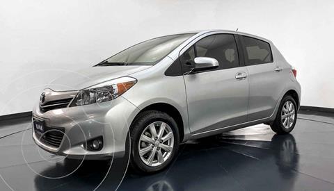 Toyota Yaris 5P 1.5L Premium usado (2014) color Gris precio $157,999