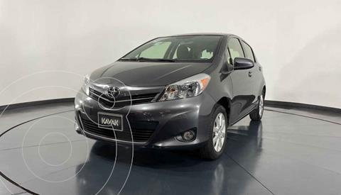 Toyota Yaris 5P 1.5L Premium Aut usado (2014) color Gris precio $159,999