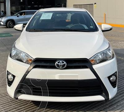 Toyota Yaris 5P 1.5L S usado (2017) color Blanco financiado en mensualidades(enganche $49,804 mensualidades desde $5,613)