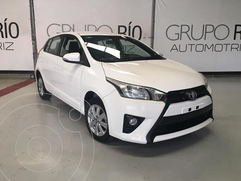 Toyota Yaris 5P 1.5L S usado (2017) color Blanco precio $194,000