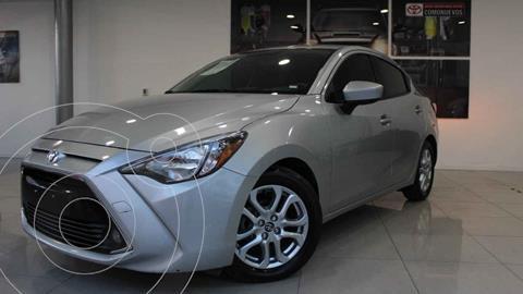 Toyota Yaris LE Aut usado (2018) color Plata precio $238,000