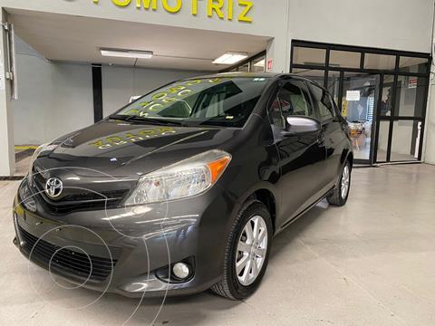 Toyota Yaris 5P 1.5L Premium usado (2013) color Gris Oscuro precio $149,000