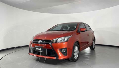 Toyota Yaris 5P 1.5L S Aut usado (2017) color Naranja precio $199,999