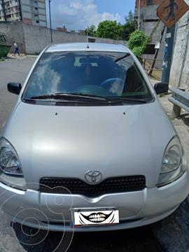 Toyota Yaris 1.3L 5P Aut usado (2001) color Gris precio u$s3.200