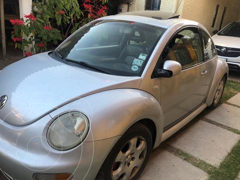 Volkswagen Beetle 10 anos usado (2002) color Plata precio $45,000