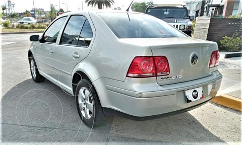 Volkswagen Bora 2.0 Trendline 115cv usado (2011) color Champagne precio $735.000