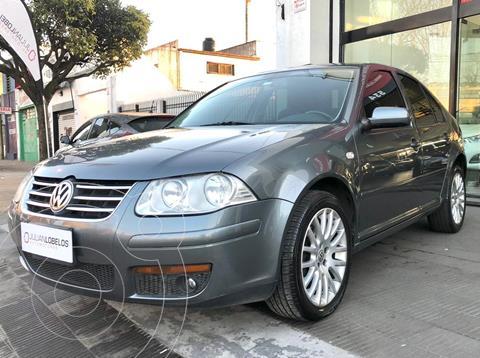 Volkswagen Bora 1.8 T Highline usado (2010) color Gris Platinium precio $1.100.000