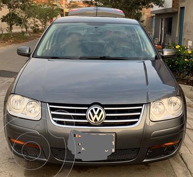 Volkswagen Bora Sedan 2.0 mecanico usado (2014) color Gris precio $9,000