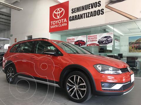 Volkswagen CrossGolf 1.4L usado (2017) color Naranja precio $265,000
