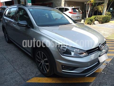 Volkswagen CrossGolf 1.4L usado (2017) color Plata Dorado precio $270,000