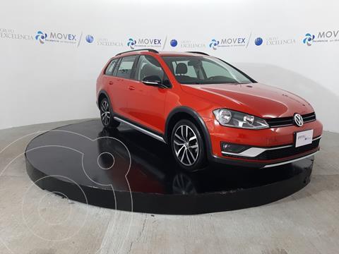 foto Volkswagen CrossGolf 1.4L usado (2017) color Naranja precio $299,000