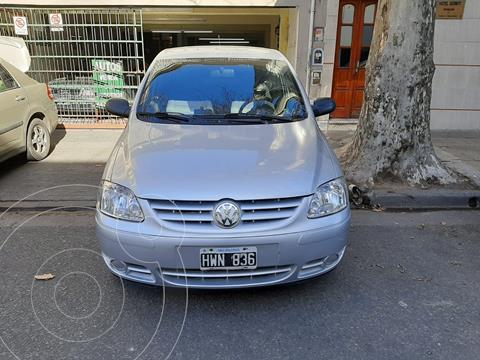foto Volkswagen Fox Comfortline 5p usado (2009) color Gris precio $680.000