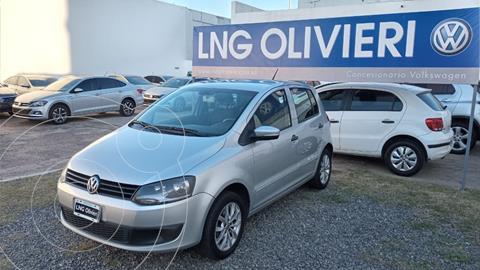 Volkswagen Fox 5P Trendline  usado (2014) color Plata Reflex precio $1.185.000