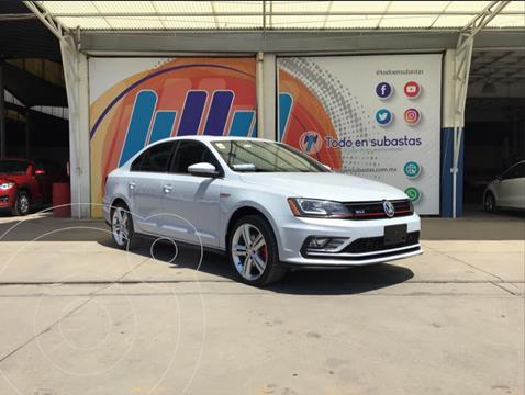Volkswagen Jetta GLI 2.0T DSG usado (2017) color Blanco precio $190,000