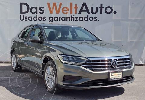 Volkswagen Jetta Comfortline usado (2019) color Gris precio $345,000