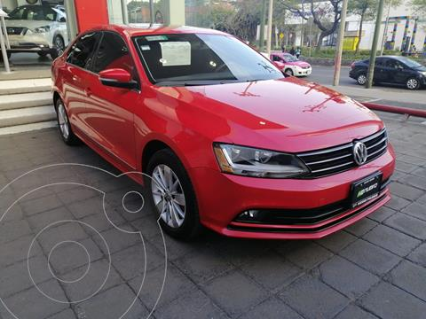 Volkswagen Jetta Comfortline usado (2017) color Rojo Tornado precio $220,000