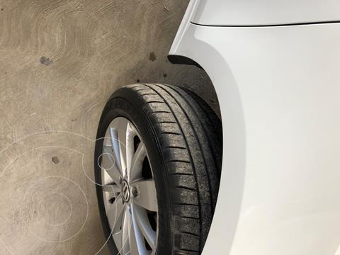 Volkswagen Jetta 2.0 usado (2018) color Blanco precio $190,000