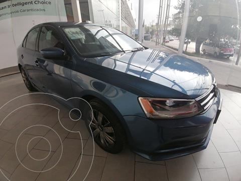 Volkswagen Jetta 4 PTS 20L, 115HP, TM5, R-16 usado (2017) color Azul precio $220,000